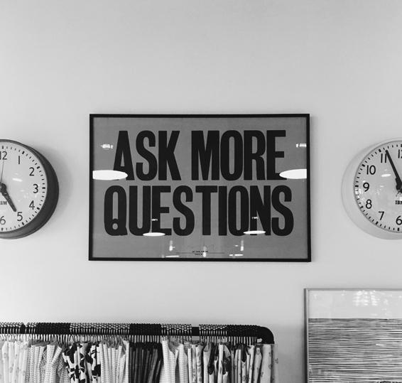 Presentación del Instituto de Inteligencia Emocional. Ask more Questions.